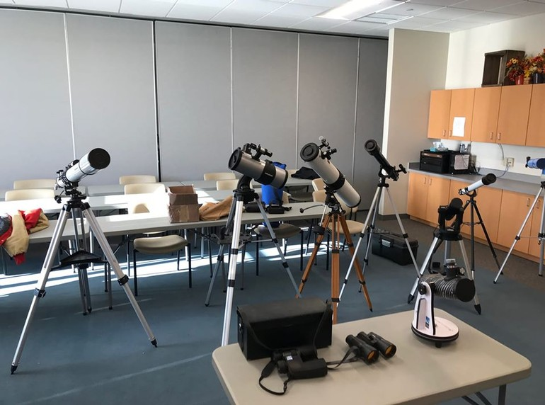 Photo from Telescope Clinic for Christmas Buyers